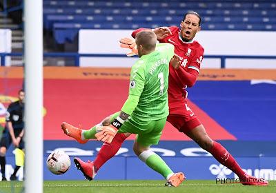 Carlo Ancelotti springt in de bres voor Jordan Pickford na zijn zware charge op Virgil van Dijk