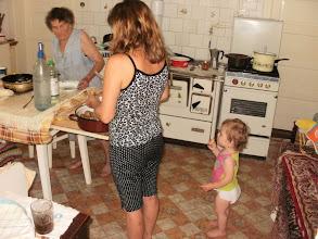 Photo: Dédimama és Teréz nénje kürtőskalácsot süt