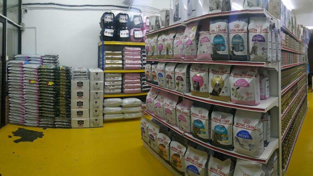ROSE CAT SHOP JB HQ - Pet Store in Taman Perling