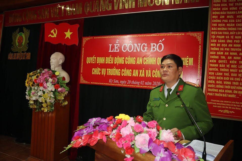 Đồng chí Thượng tá Tô Văn Hậu, Trưởng Công an huyện Kỳ Sơn phát biểu tại buổi lễ