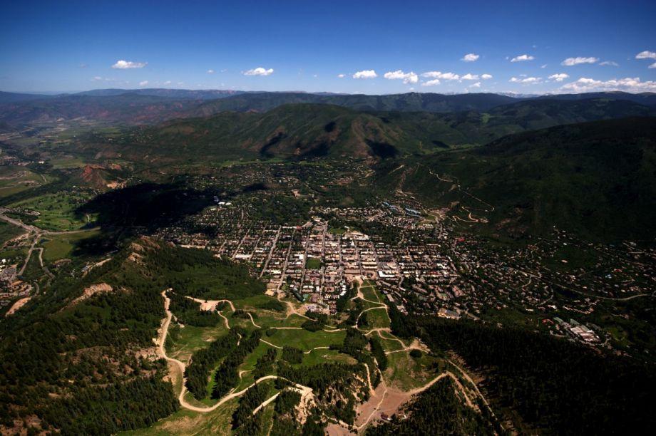 O prefeito de Aspen reformulou o código de uso das terras como medida de combate à supergentrificação. (Foto: Gina Collecchia / Reprodução)