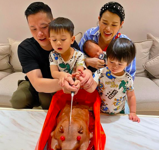 Myolie Wu sends back breast milk from China to Hong Kong daily for her two-month-old son