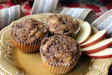 Cinnamon Streusel Apple Cider Muffins