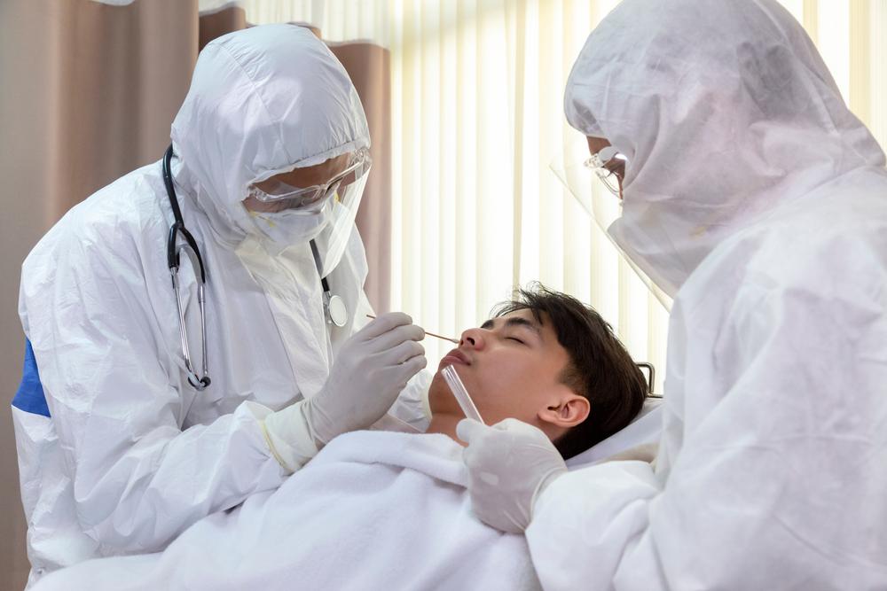 A ocorrência simultânea de vírus respiratórios no mesmo paciente pode agravar o quadro de doenças como covid-19. (Fonte: Shutterstock)