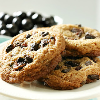 Chewy Pomegranate Chocolate Chip Cookies