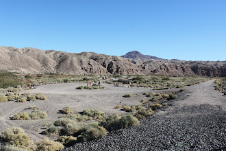 Photo: Afton Canyon Campground overview (so much more obvious during the day)