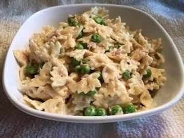 Tuna Macaroni Salad with Peas