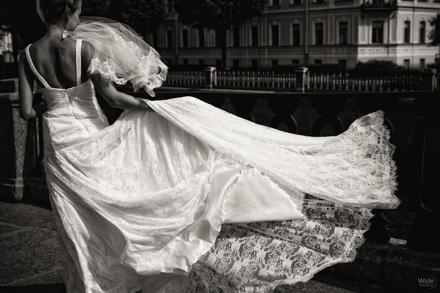 Wedding photographer Dmitriy Markov (eversummerdm). Photo of 23.12.2013