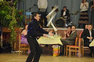 Photo: ...nejrychlejší žonglér zapsaný v Guinessově knize rekordů.