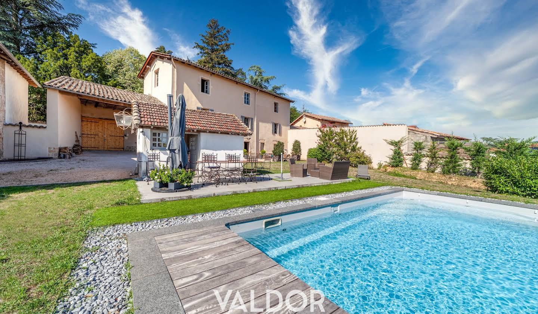 Maison avec piscine Corcelles-en-Beaujolais
