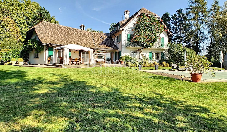 Maison avec piscine et jardin Chéserex