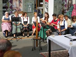 Photo: Unser Familienmessenchor singt und spielt schön und ist schön.