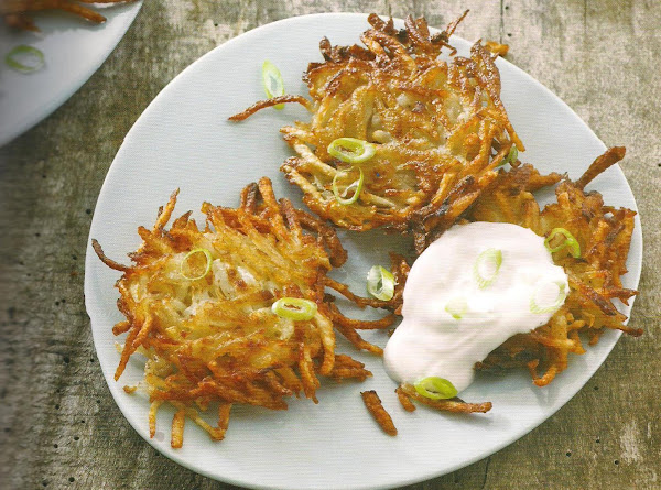 Potato Pancakes With Applesauce And Sour Cream Recipe
