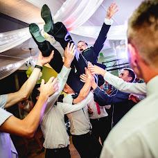 Wedding photographer Mariusz Dyszlewski (mdyszlewski). Photo of 06.07.2014