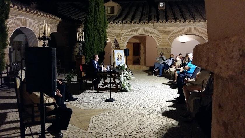 El director de LA VOZ pidió a sus paisanos y a los peregrinos presentes que preserven la Romería al Saliente.