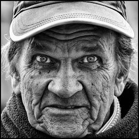 Verwonderd  by Etienne Chalmet - Black & White Portraits & People ( street, people, portrait,  )