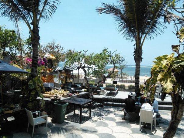 Nusa-Dua-Beach-Grill