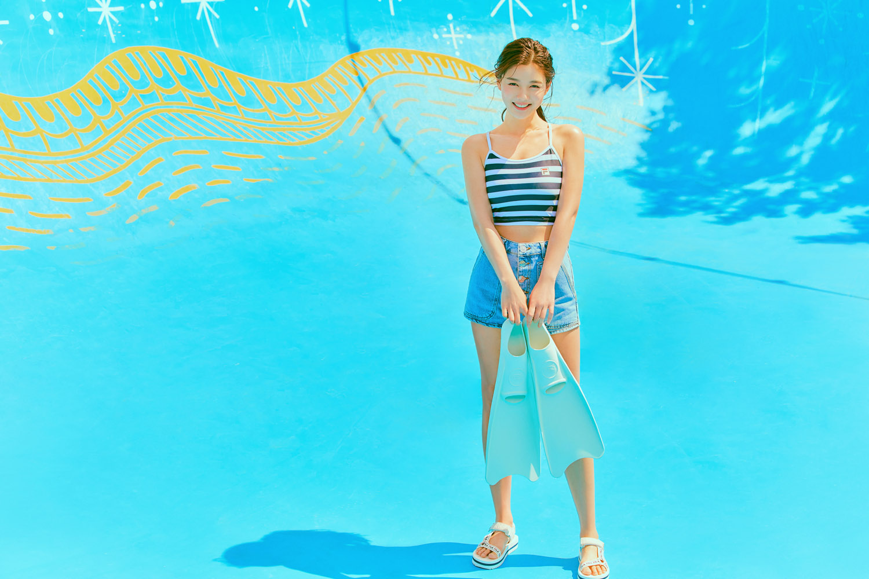 kim yoo jung summer abs 4