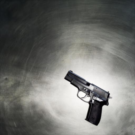 Drie mans is doodgeskiet terwyl hulle 'n geselligheid by die huis in Noordwes gehad het - TimesLIVE