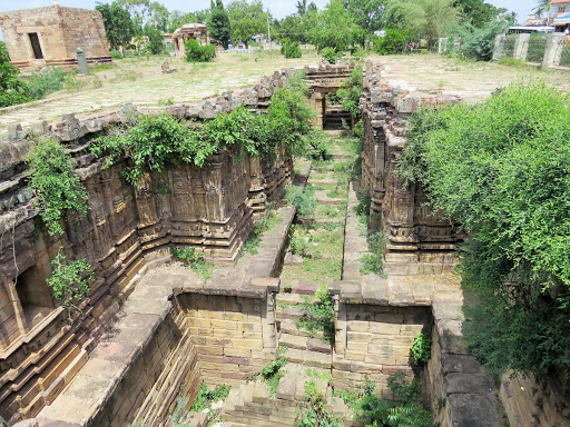 Naga Kunda - Stepped wells weathered