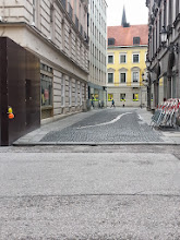 Photo: Viscardigasse: It's where those brave enough to be anti-Nazi would detour so they wouldn't have to walk by Odeonsplatz.