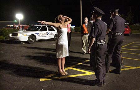 """effectiveness of sobriety checkpoints This standard considers """"balancing the state's interest in preventing accidents caused by drunk drivers, the effectiveness of sobriety checkpoints in achieving that goal, and the level of intrusion on an individual's privacy caused by the checkpoints."""