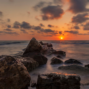 another day to end by Tisoy de Vera - Landscapes Sunsets & Sunrises