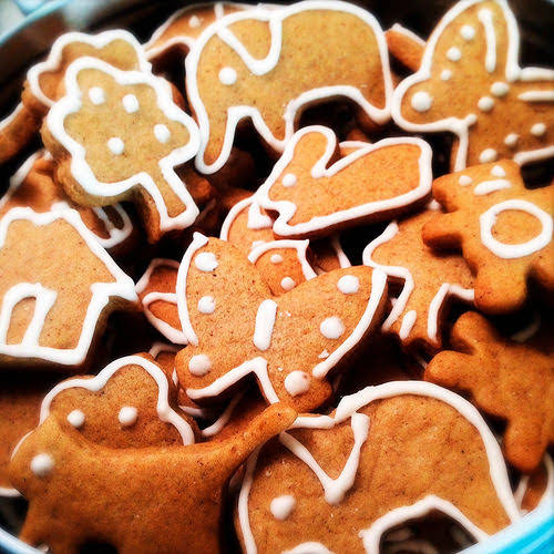 Gingerbread Cookies, ginger, royal icing, pasteurized egg, xmas, christmas cookie, spice, decorated, outlined