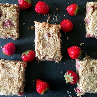 Strawberry & Apple Oat Bar.