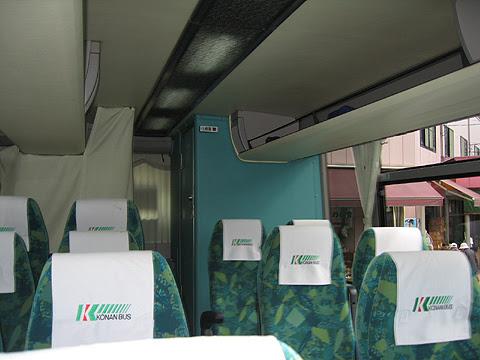 弘南バス「青森上野号」 ・382 車内後部