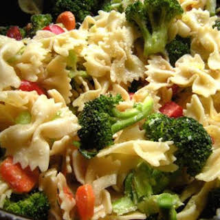 Farfalle With Broccoli, Carrots and Tomatoes.