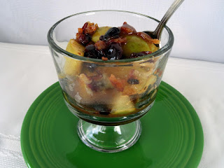 Apples, Bacon And Cranberries With White Cheddar Recipe
