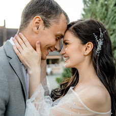 Wedding photographer Kseniya Zvereva (lonelystar). Photo of 04.10.2018