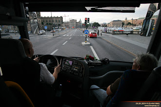 Photo: #180: UF 37918 på improvisert tur med lokalkjent guide i Stockholm, 06.09.2009.