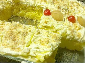 Banana Pudding Poke Cake - Steph