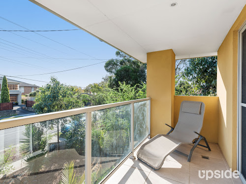 Photo of property at 98 Mcmahons Road, Frankston 3199