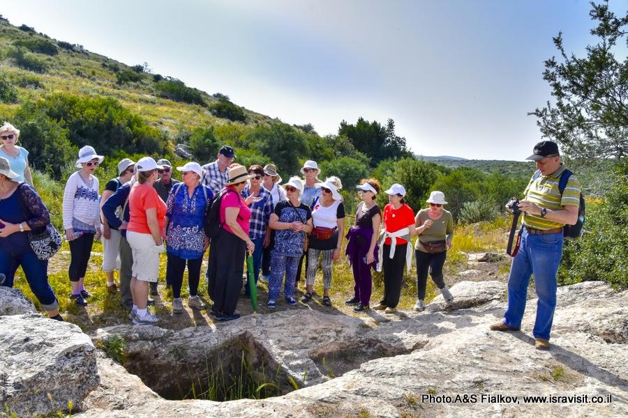 Экскурсия гида в Израиле Светланы Фиалковой на археологических раскопках в Хирват Бургин.