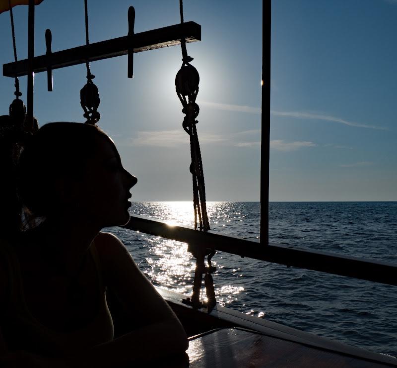 woman at sunset di Luca Fain