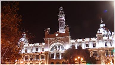 Photo: Edificio de Correos ( Valencia).www.viajesenfamilia.it/