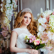 Wedding photographer Irina Vanyushkina (irisphoto1992). Photo of 11.04.2016