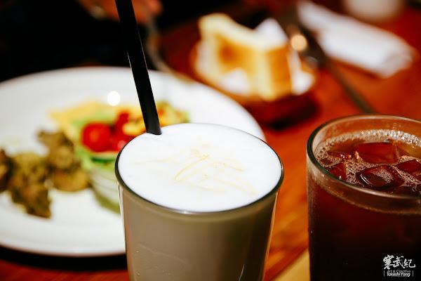 大直‧庫卡咖啡 KOOKA COFFEE|蔬食輕主張‧濃郁咖啡香‧實踐大學旁文青咖啡廳!