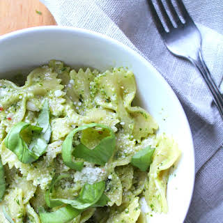 SIMPLE AND CREAMY PESTO PASTA.