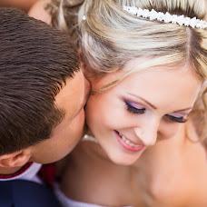 Wedding photographer Vladimir Zinovev (LoveOneDer). Photo of 15.11.2014