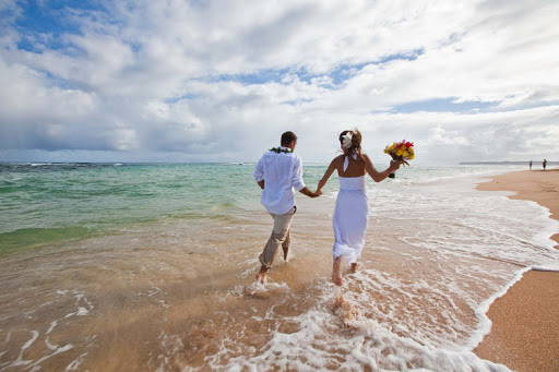 Hawaii is for lovers: Walking along a romantic beach in Kauai. Above all else, decide on what kind of experience you're after.