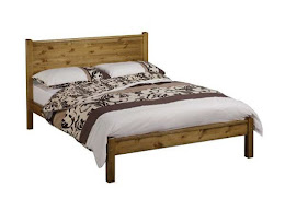 Solid superior handcrafted (UK Manufactured) Pine traditional Bedstead for a Double Bed