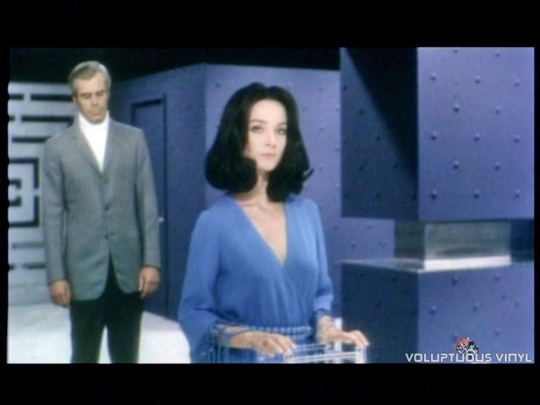 Barbara Bouchet in Blue Robe from Colpo rovente