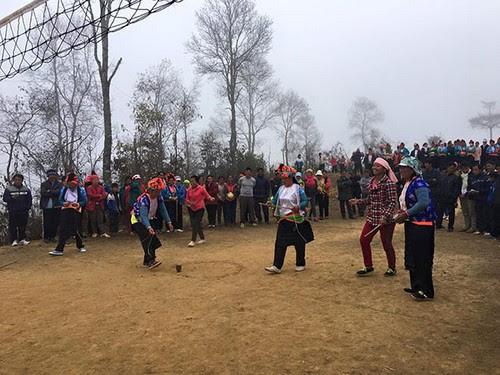 Đỉnh Đèo Pha Đin tưng bừng hội xuân của người Mông - 2