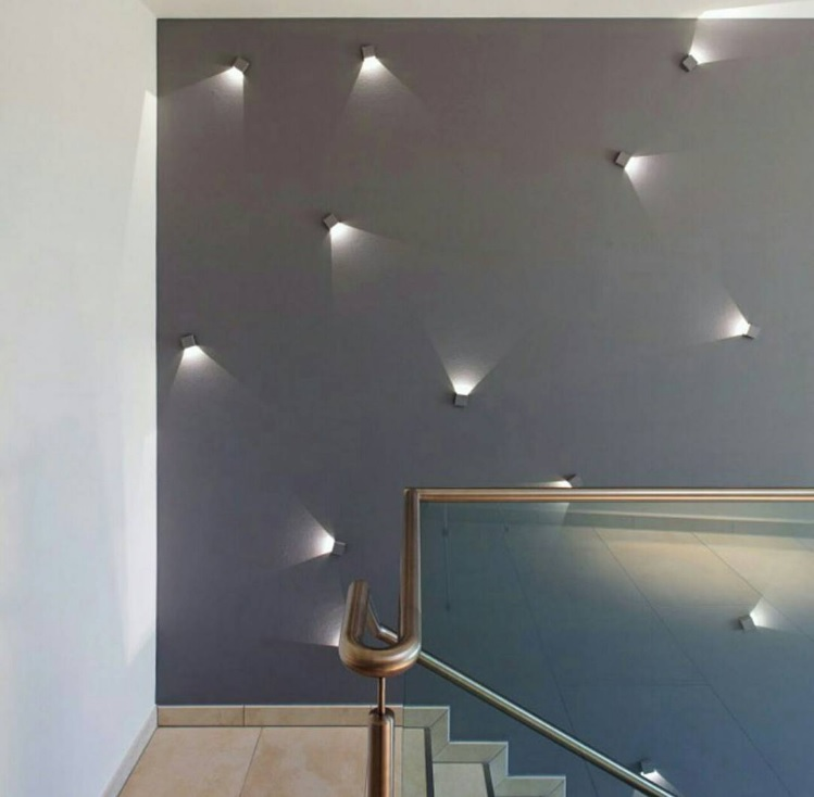 Iluminaci n led 20 ideas originales para espacios - Iluminacion escaleras interiores ...
