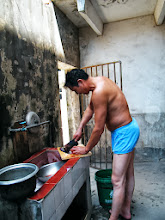 Photo: journey hometown in summer 2013 shakes doubts and plows hope: lingering in Town Tian in summer heat most of our vacation. here my brother-in-law preparing dinner for us in his house.