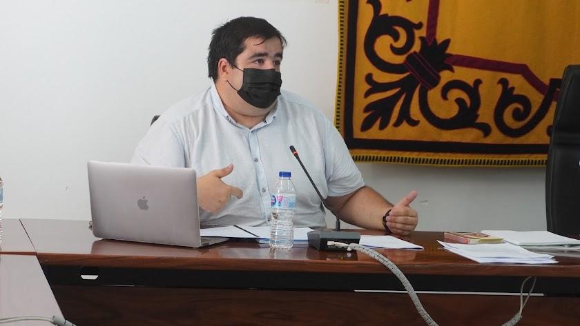 El portavoz del Gobierno, Ramón Soto, durante el pleno.